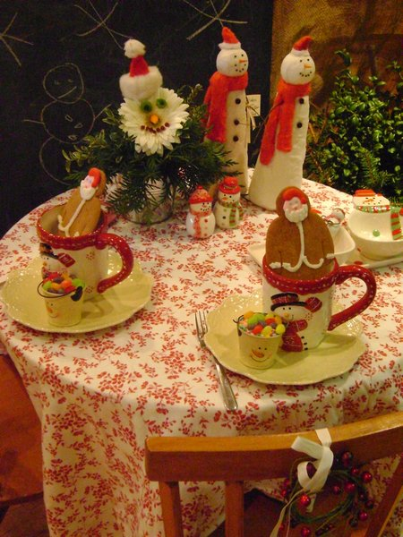 La Petite Fleur, snowman table, green xmas table 095